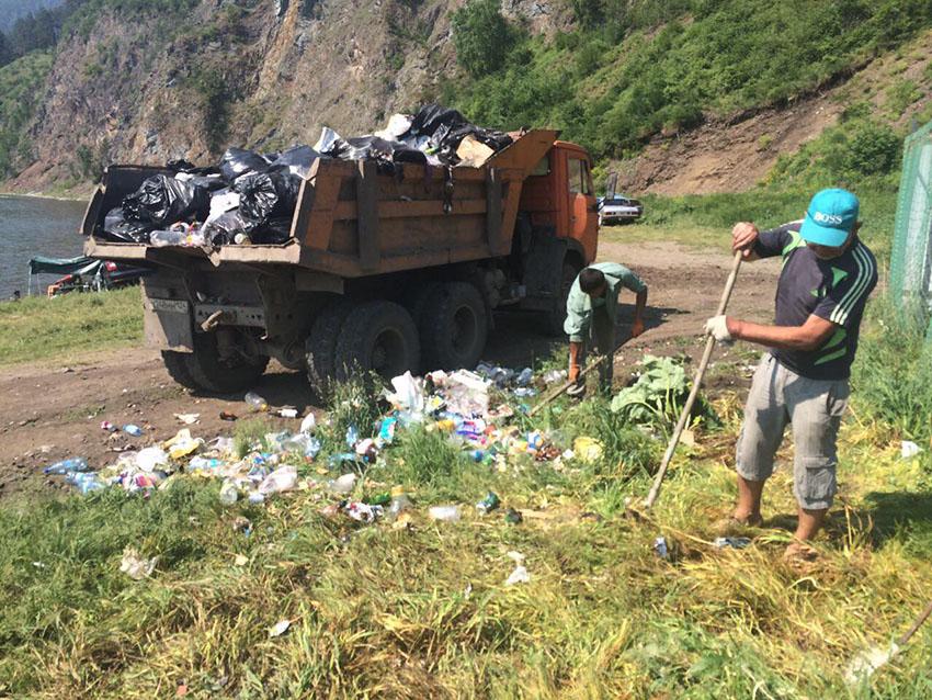 Уборка мусора на «Ибице»